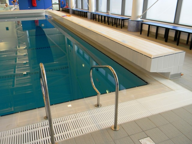 Garons Pool - Dive Pool Diving Block
