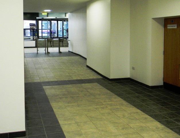 Garons Pool - Link Corridor to Reception